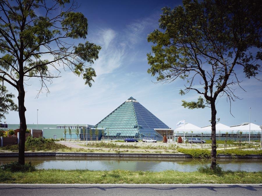 Pyramide, Honselersdijk_3